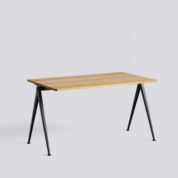 PYRAMID TABLE / 01