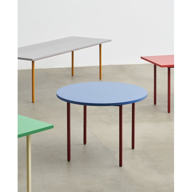 TWO-COLOUR TABLE